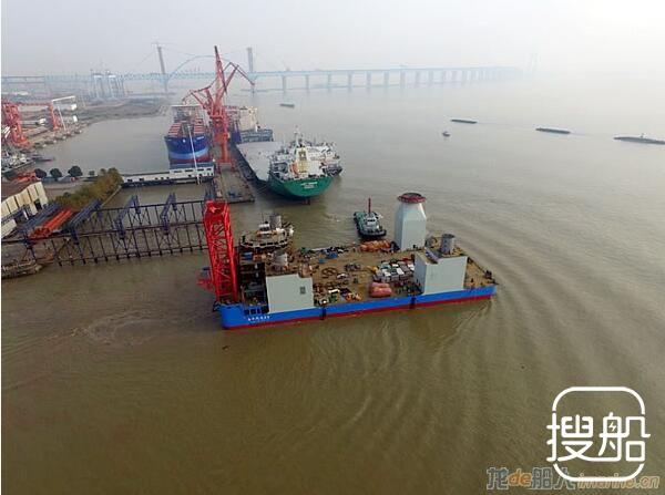 """韩通船舶重工""""海洋风电69号""""自升式海上风电安装船下水"""