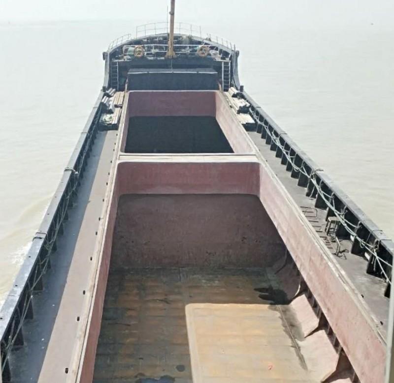 出售2004年建造 1000吨 沿海正规散货船