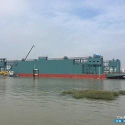 出售万吨举力浮船坞