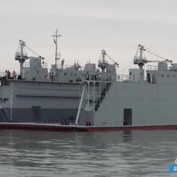 出售1200举力浮船坞