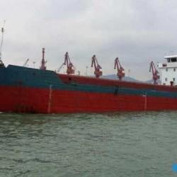 出售2000吨开体驳船2011年造
